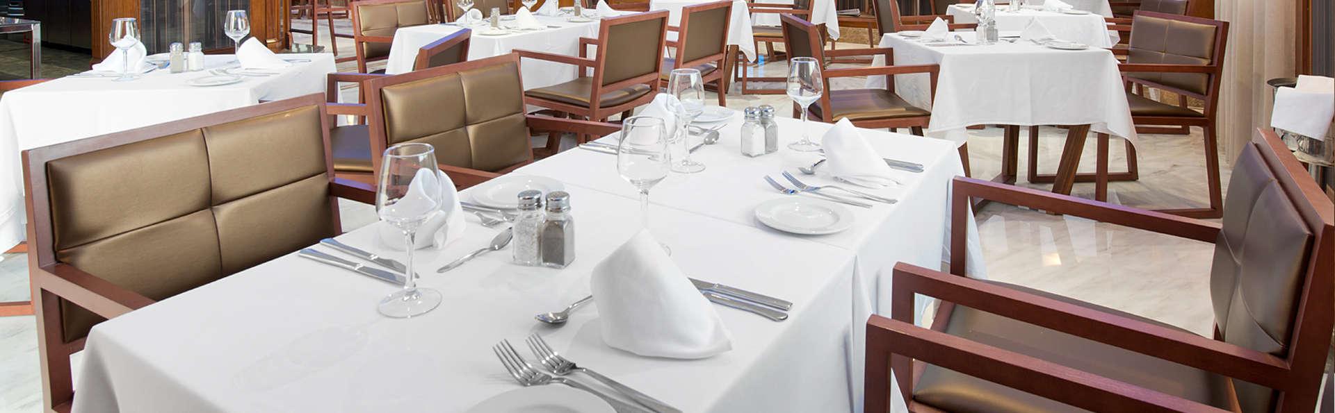 Escapade avec dîner et espace de détente sur la Costa Tropical.