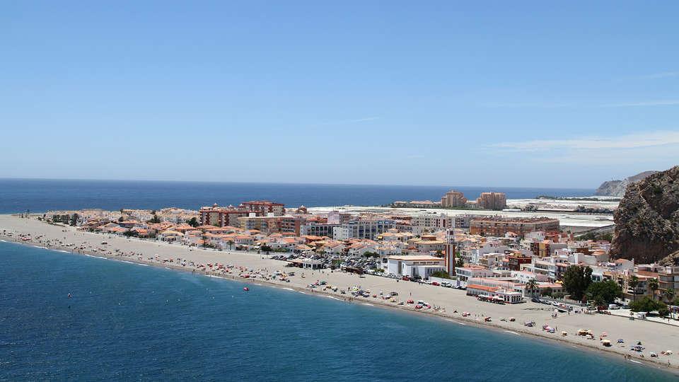 Elba Motril Beach & Business Hotel - edit_calahonda.jpg