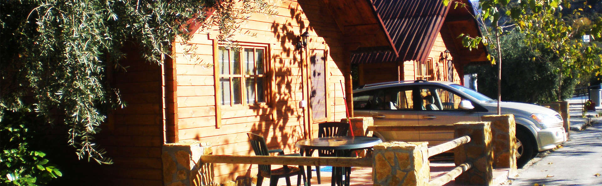 Escapada romántica: cena y jacuzzi privado en la habitación a un paso de Sierra Nevada