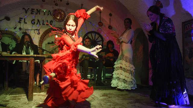 Escapada 5*: Flamenco en el Sacromonte en la emblemática Venta del Gallo y hotel de lujo con Spa