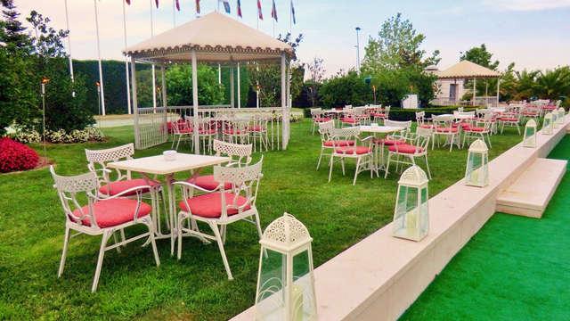 Escapada romántica con bombones y acceso a la zona relax cerca de Madrid