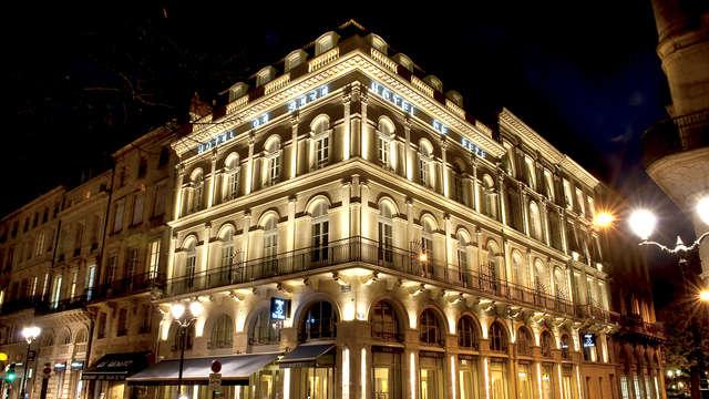 Hotel de Seze - Front