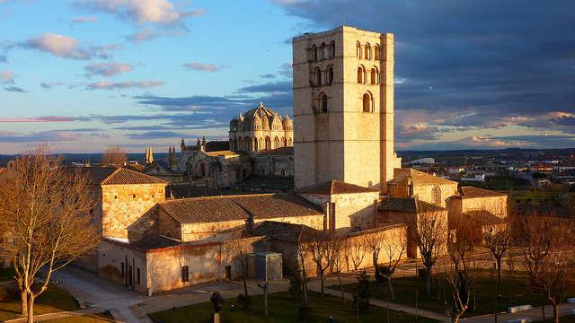 Escapada en un hotel modernista en el corazón de Zamora