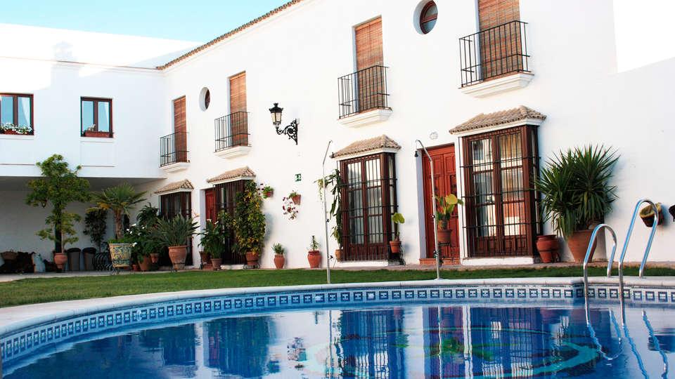 Hacienda Olontigi - EDIT_pool.jpg