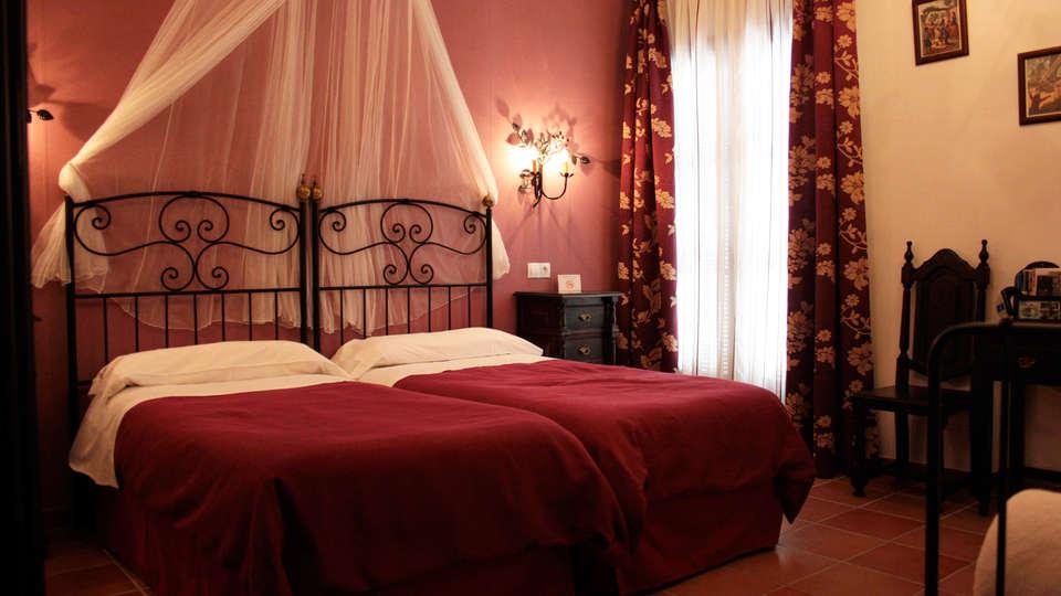 Hacienda Olontigi - EDIT_room1.jpg