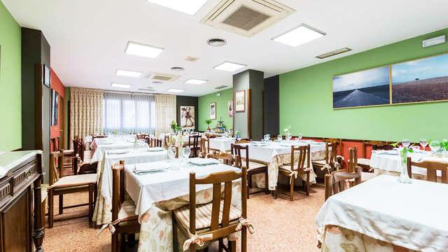 Hostal - Restaurante Pirineos