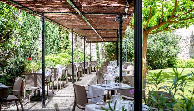 Hotel Cloitre Saint-Louis - Terrace