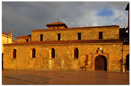 Iglesia de San Tirso (Oviedo)