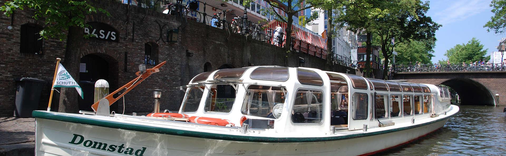 Détendez-vous dans le spa et découvrez Utrecht depuis l'eau