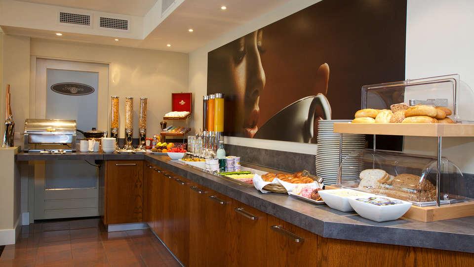 Hotel Arrows - EDIT_NEW_buffet1.jpg