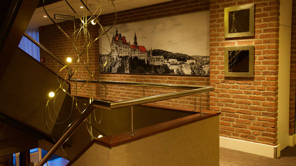 Hotel Arrows - EDIT_NEW_interior1.jpg
