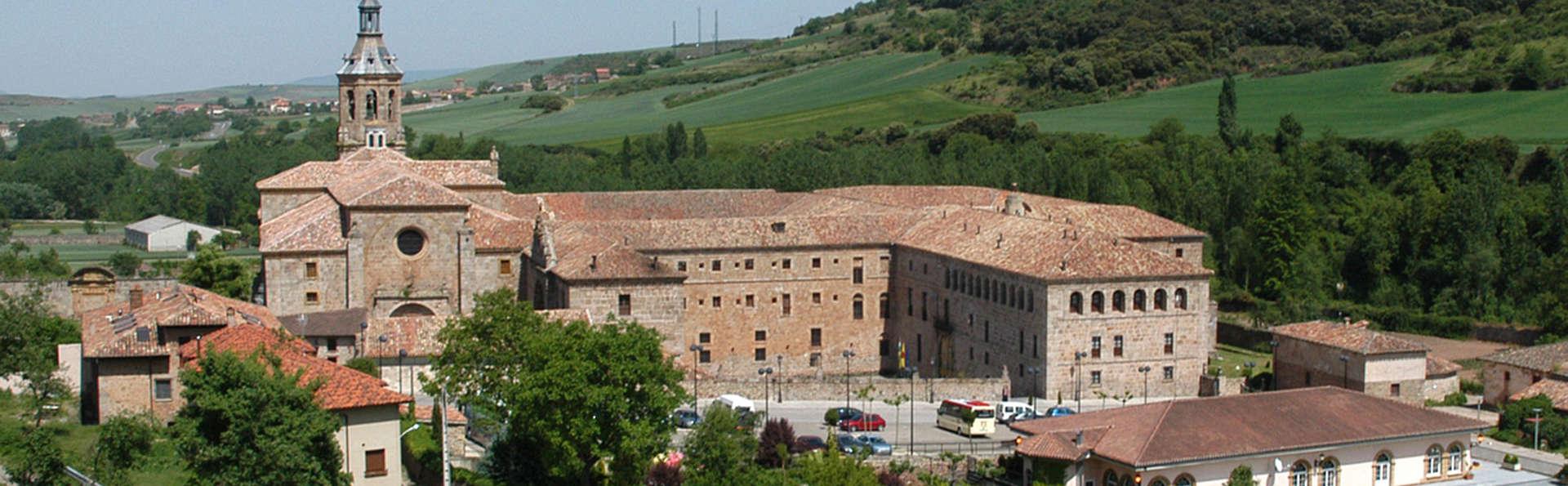 Descubre La Rioja en el Monasterio de Yuso con visita a bodega