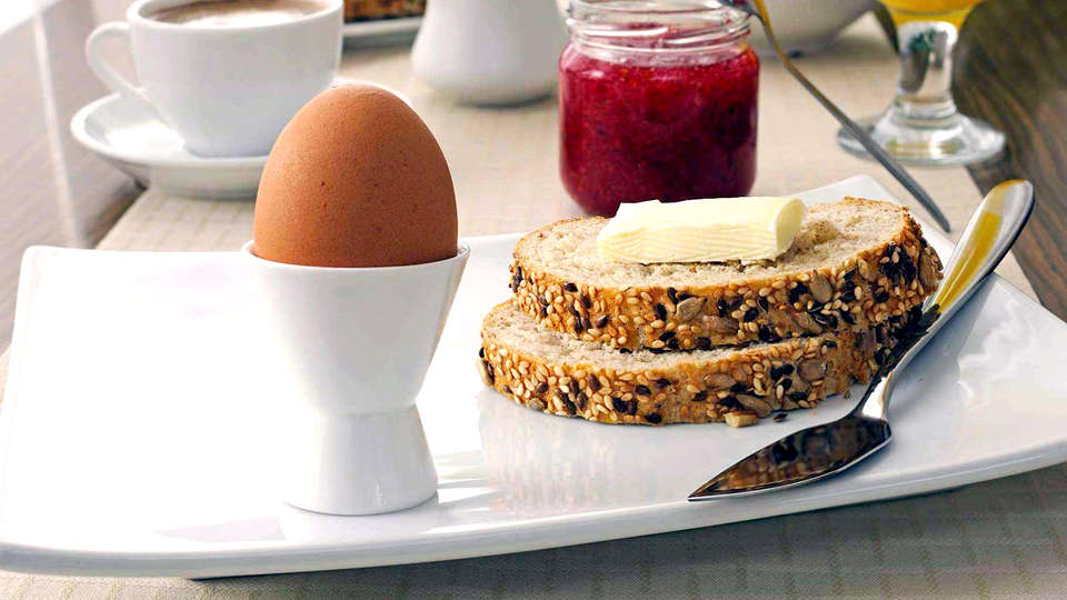 Auberge de La Hardouinais - Ar Duen - Edit_Breakfast.jpg