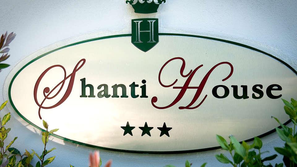 Hotel Shanti House - Edit_Detail.jpg