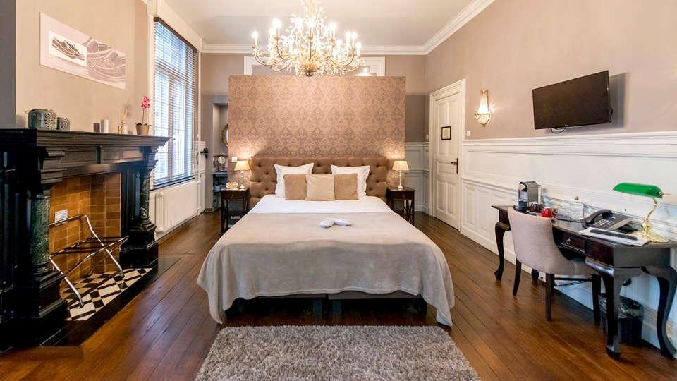 Boutique Hotel Huys van Steyns - Edit_Room5.jpg