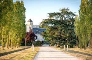 relais des trois châteaux cour cheverny centre france