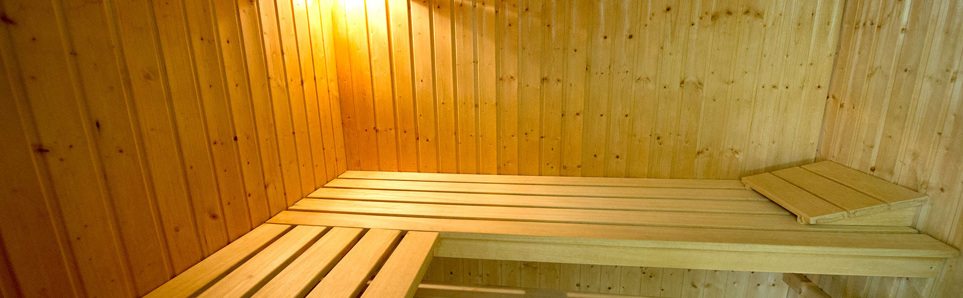 Le Domaine des Roches - Edit_Sauna.jpg
