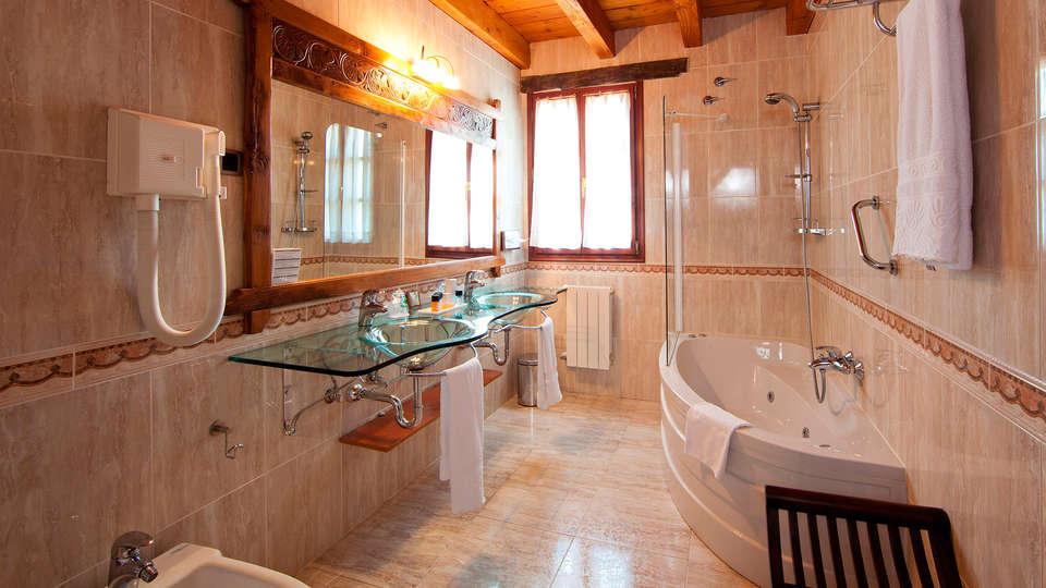 Relais du Silence Hotel & Spa Etxegana - EDIT_bath.jpg