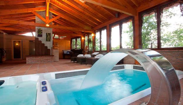 Romanticismo en un hotel rural de lujo con bañera hidromasaje, spa y cena gastronómica