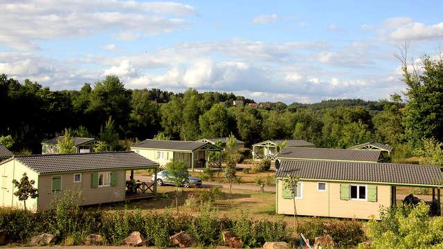 Pause dans un cottage pour deux au cœur de la forêt du Limousin