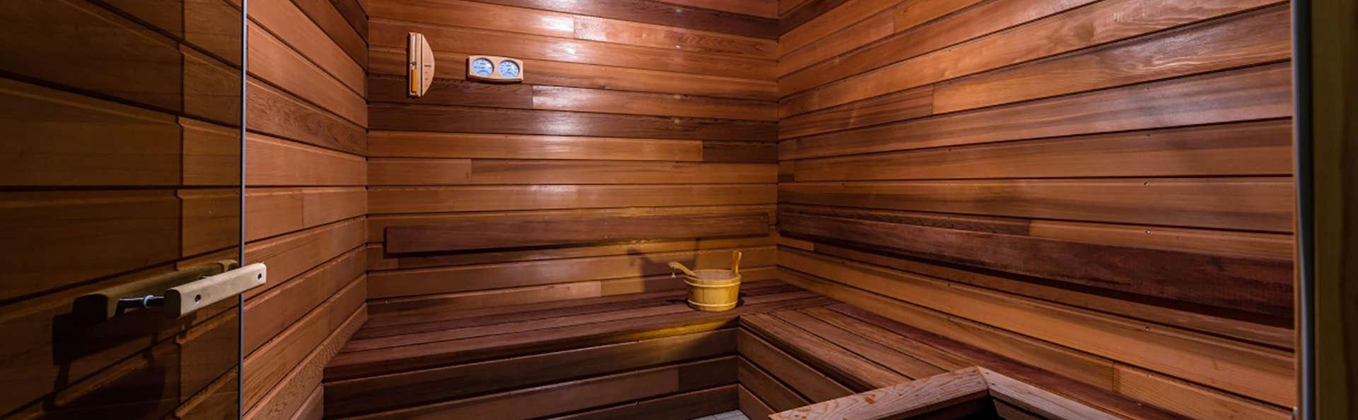 Le Domaine de Bacchus - Edit_sauna.jpg