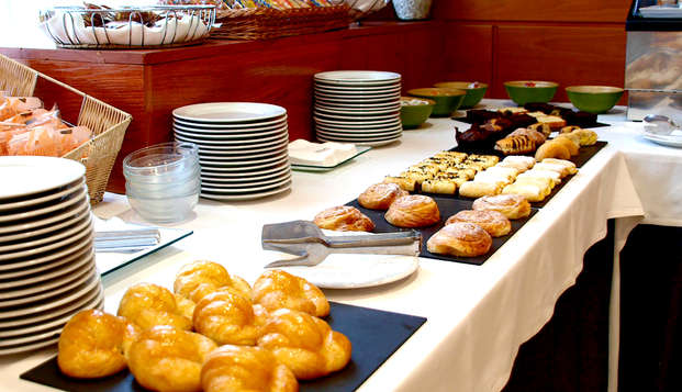 Hotel Alaquas - Breakfast