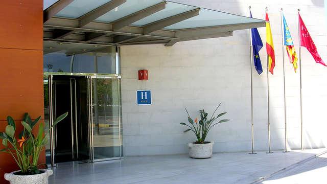Hotel Alaquas - Entrance