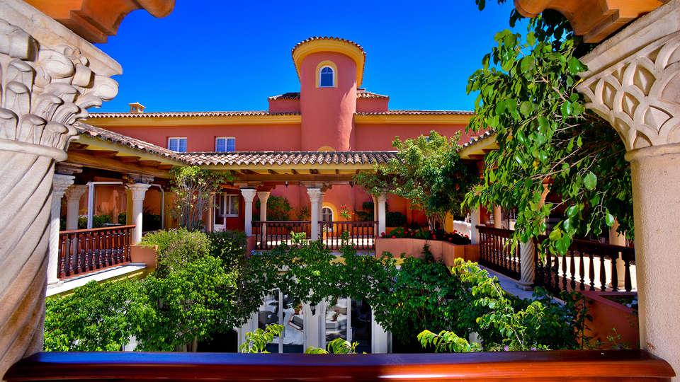 Hotel Alborán Algeciras - EDIT_patio3.jpg