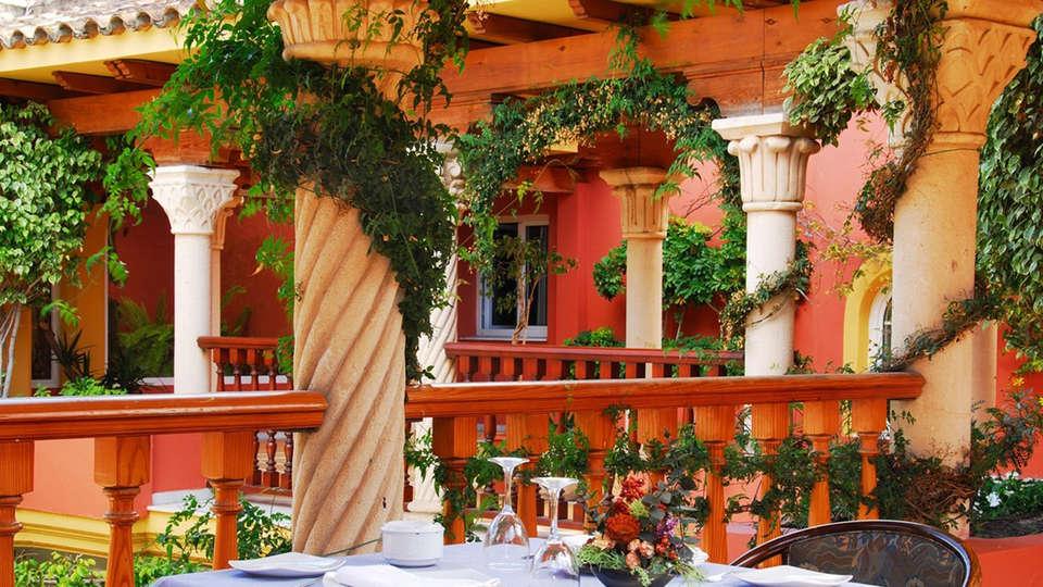 Hotel Alborán Algeciras - EDIT_patiorestaurant.jpg