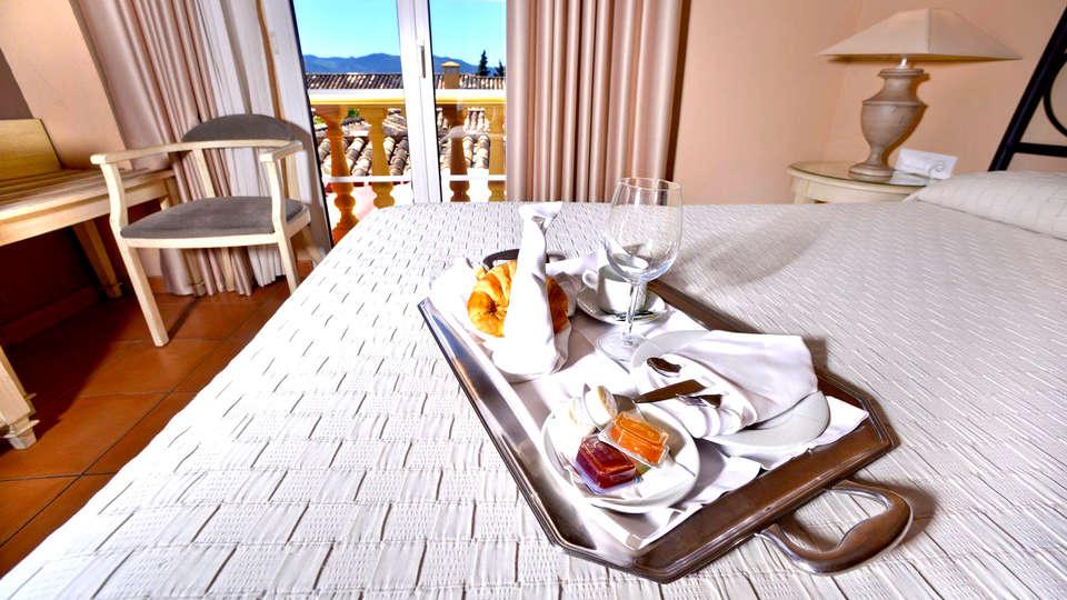 Hotel Alborán Chiclana - Edit_Breakfast.jpg