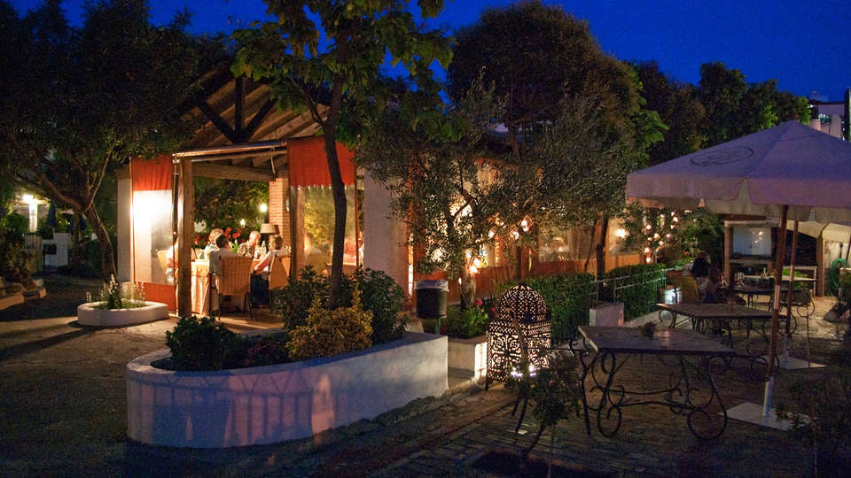 Hotel Alcadima - EDIT_terrace.jpg