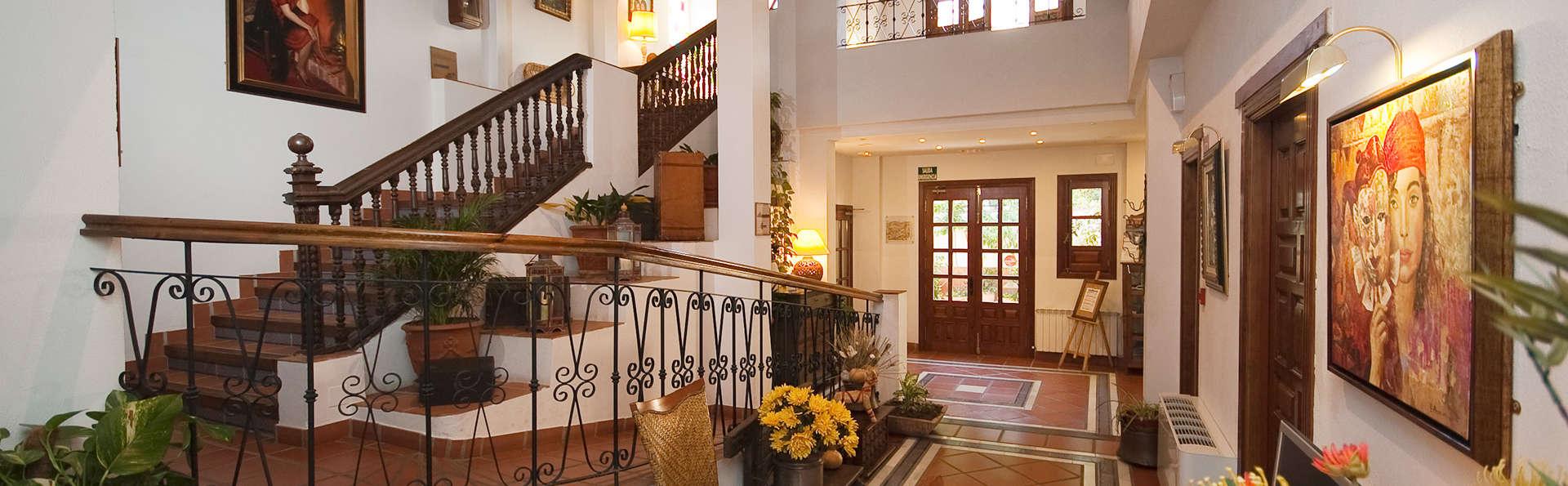 Hotel Alcadima - EDIT_reception.jpg