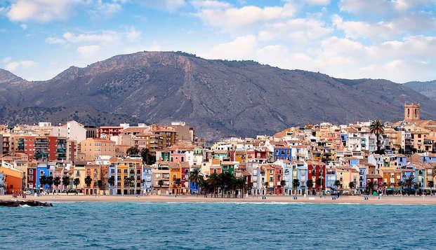 Escapada en Villajoyosa: tómate un gintonic con vistas al mar y disfruta de la media pensión