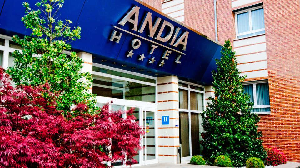 Hotel Andia - EDIT_front.jpg