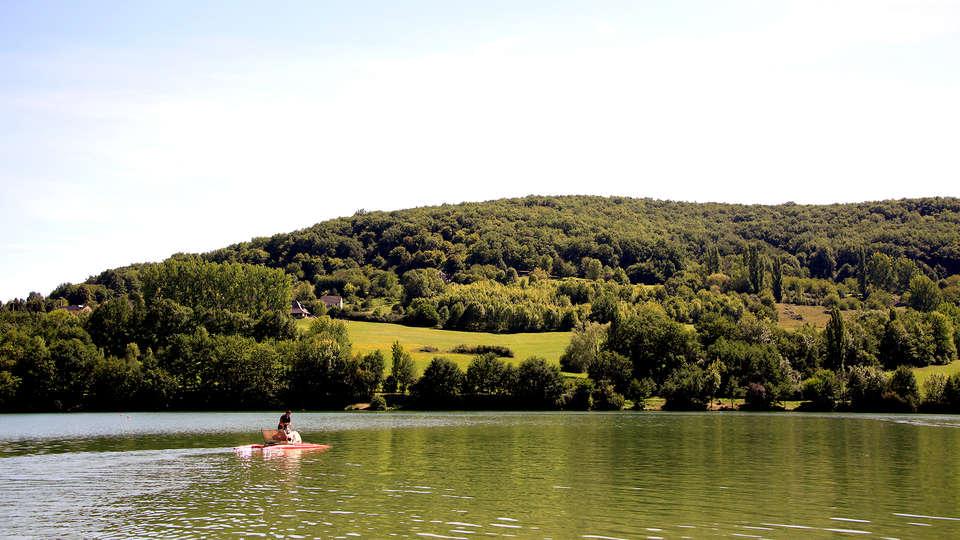 Les Hameaux du Perrier - Edit_Lake2.jpg