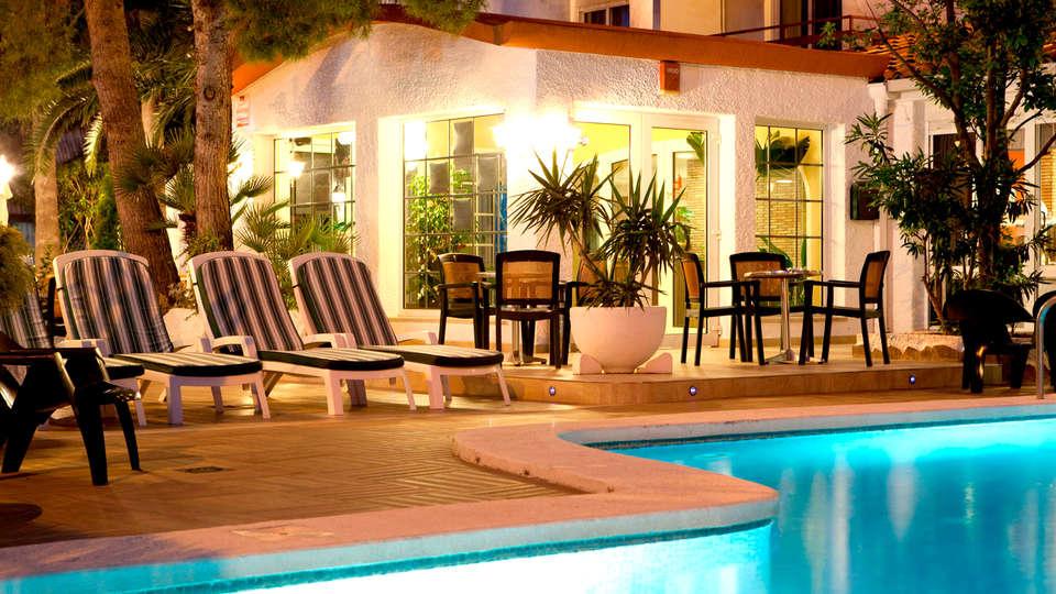 Hotel Bersoca - Edit_Pool4.jpg