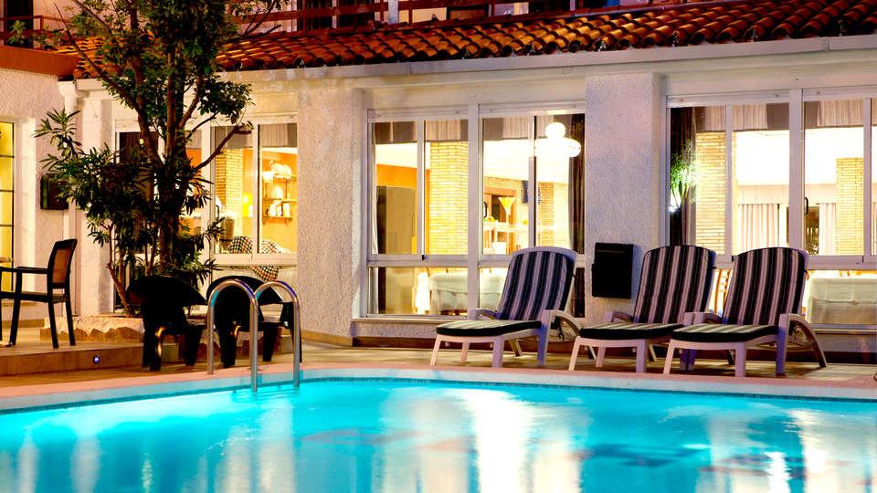 Hotel Bersoca - Edit_Pool5.jpg