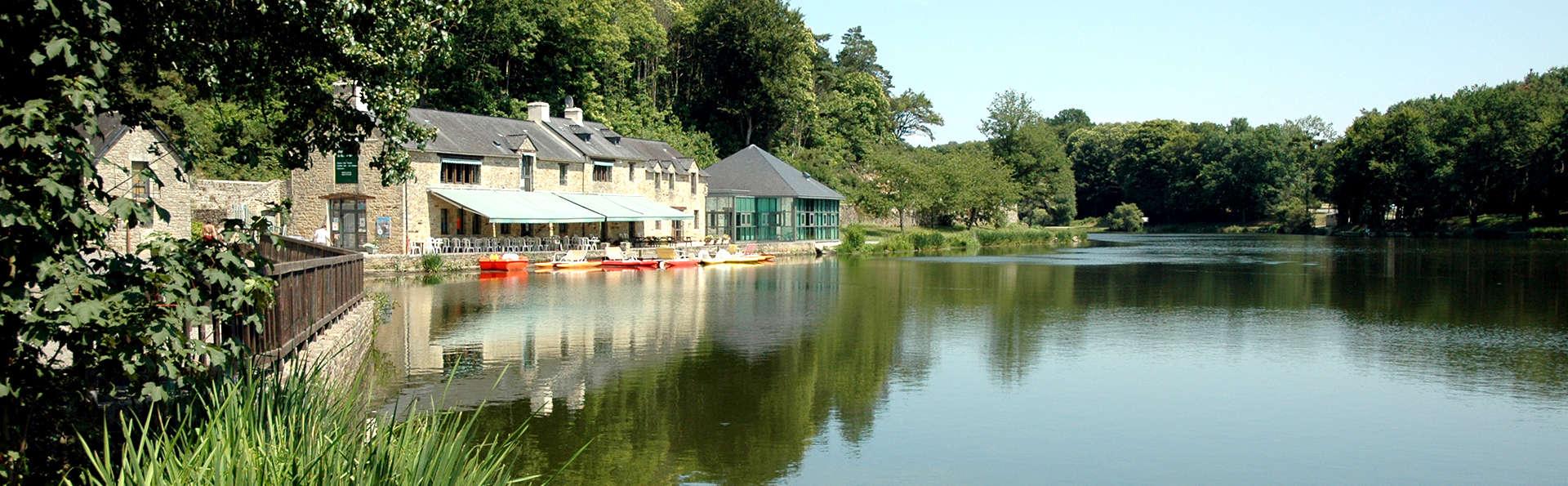Séjour en famille dans un cottage face au lac du Moulin Neuf