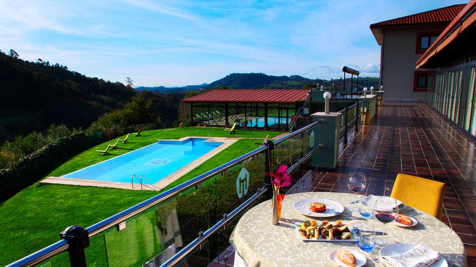 Hostería de Torazo Spa Nature - edit_pool3.jpg