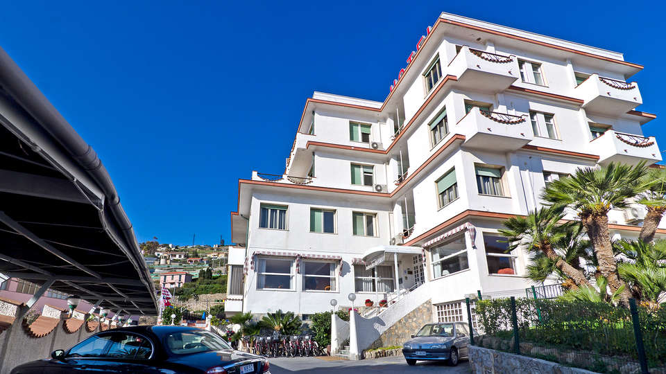 Hotel Ariston Montecarlo - Edit_front.jpg