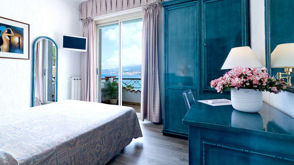 Hotel Ariston Montecarlo - Edit_Room9.jpg