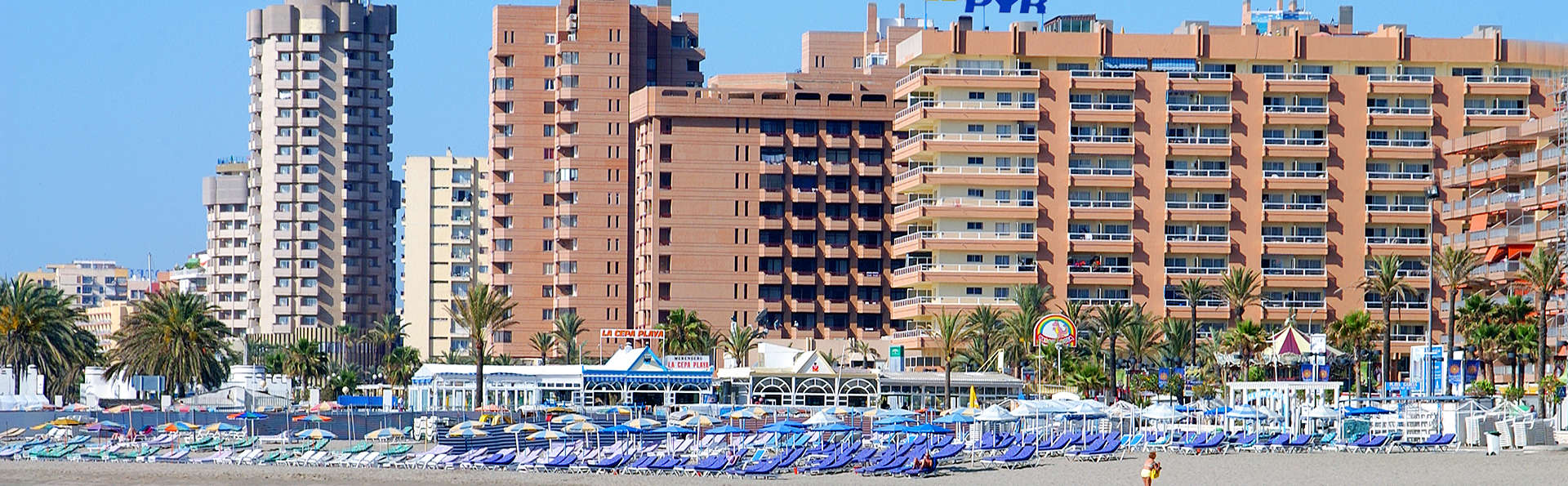 Hotel Apartamentos Pyr Fuengirola - EDIT_Exterior3.jpg