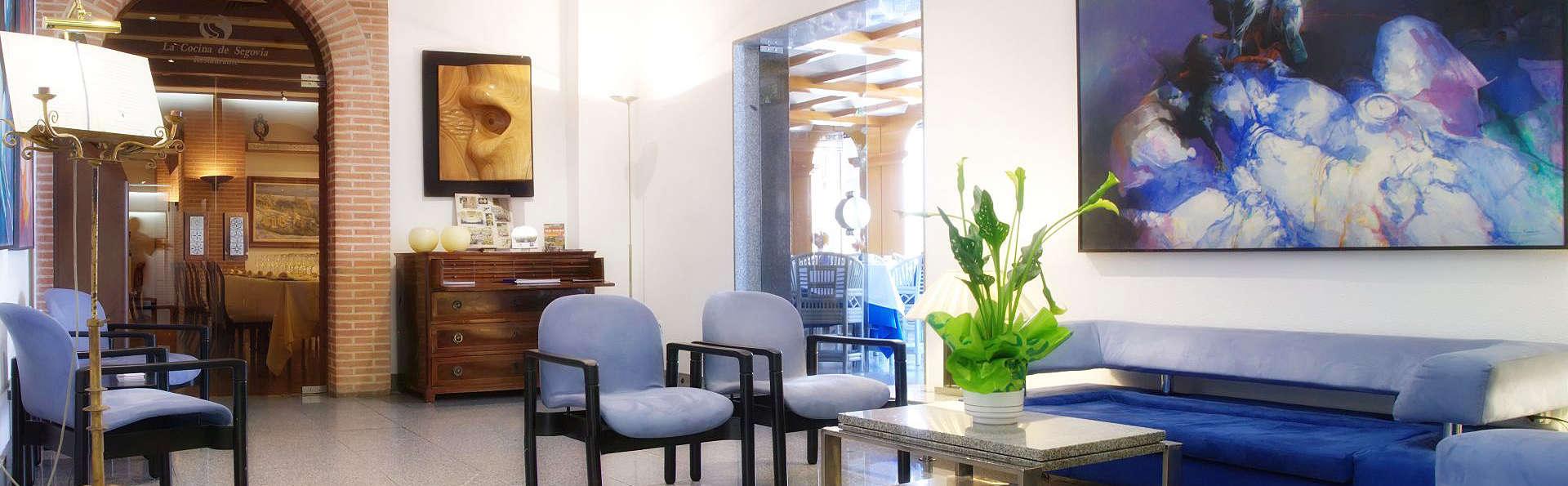 Hotel Ar Los Arcos - EDIT_Lobby1.jpg