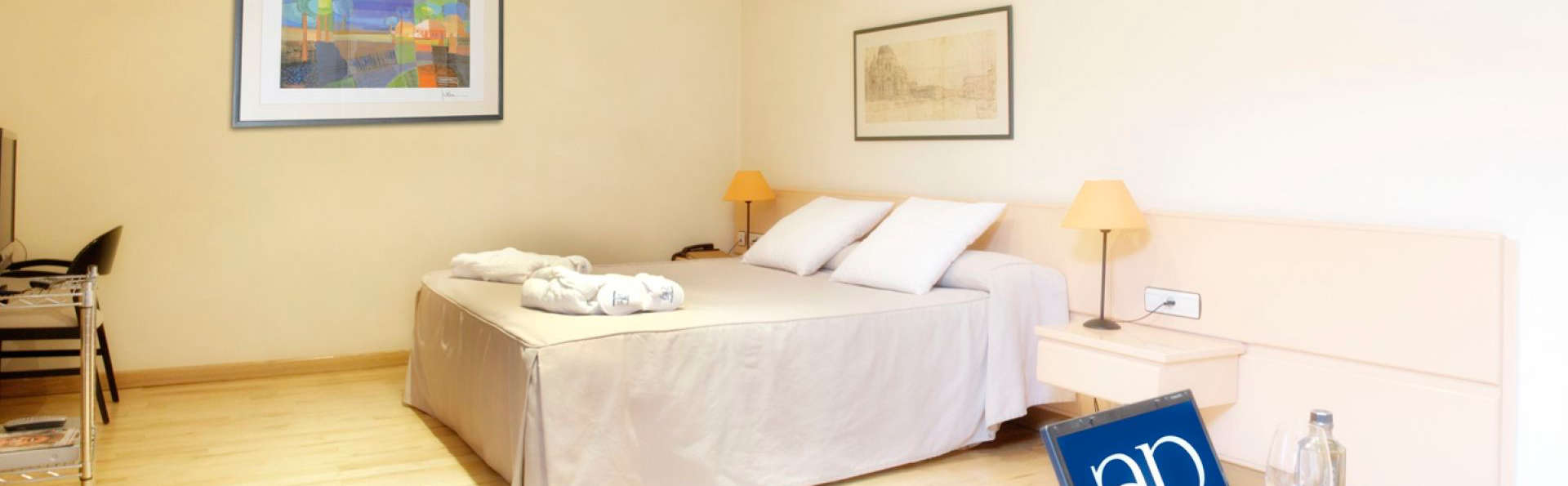 Hotel AR Parquesur - EDIT_room6.jpg