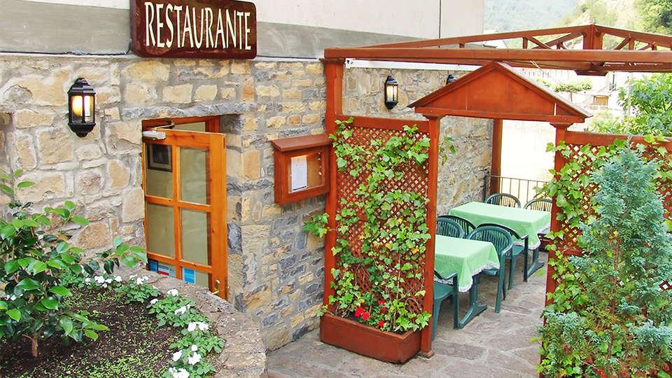 Hotel Badaín - EDIT_ext2.jpg
