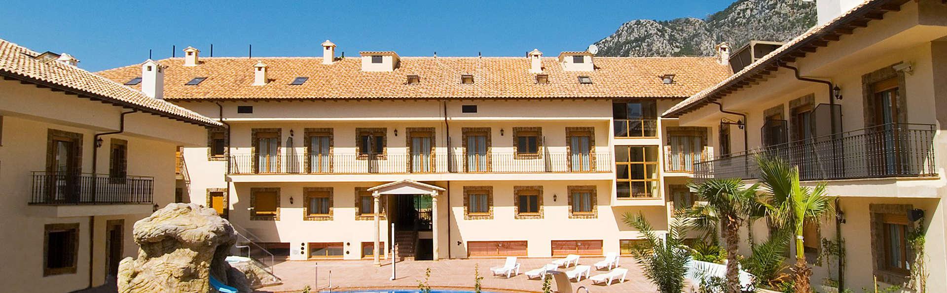 Escápate en Pensión Completa a este Hotel Rural 4* en el Parque Natural de Cazorla