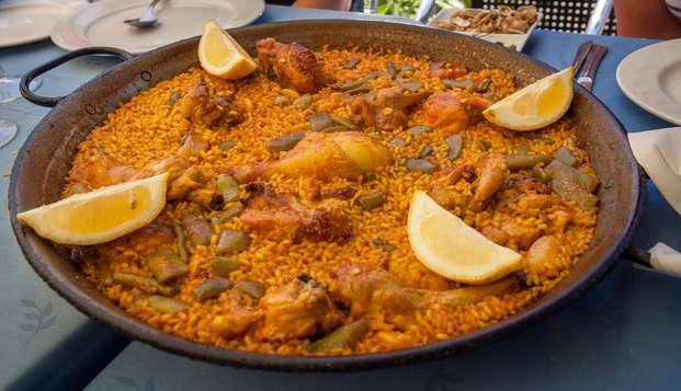 Escápate a Valencia y disfruta de un tour guiado por la ciudad y de una típica paella