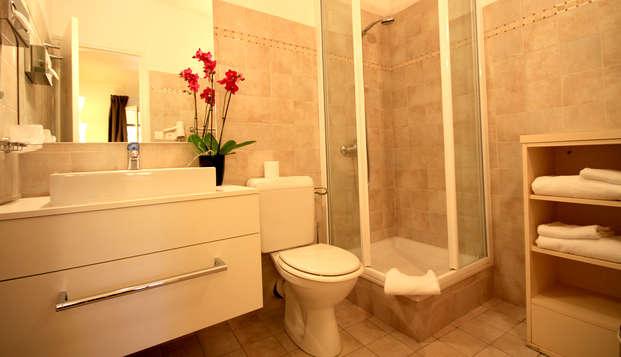 Domaine de l Oriu - Bathroom