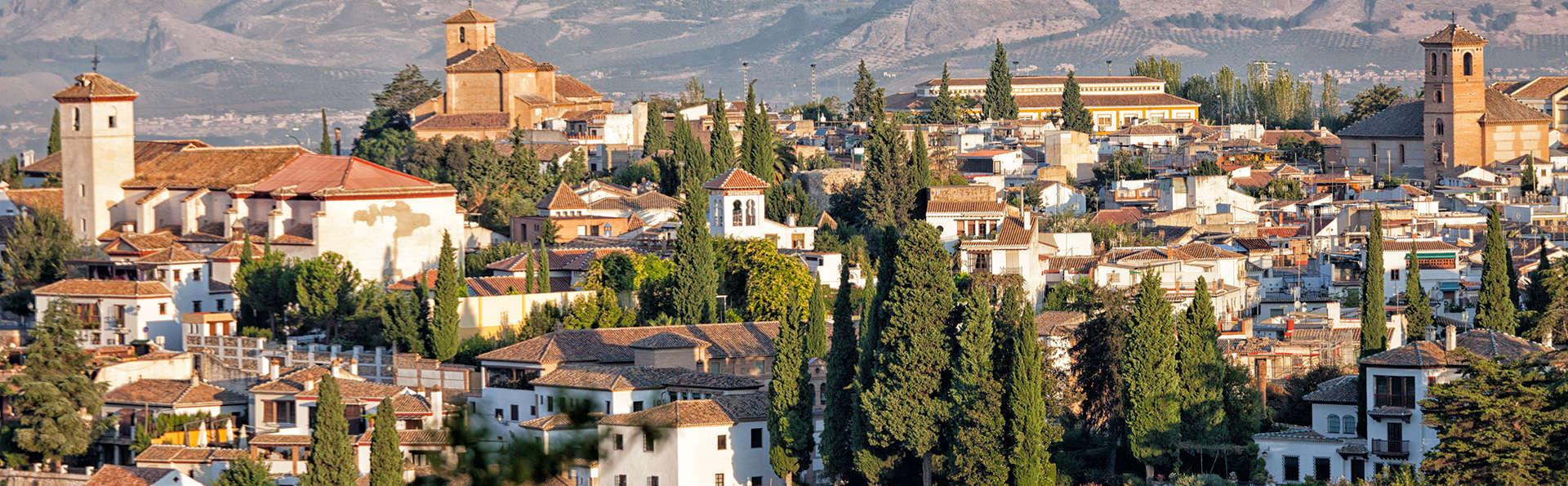 Siente la magia de la milenaria Granada en un hotel 4* con Hammam