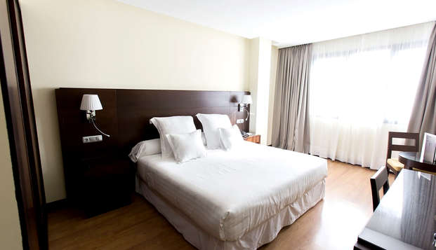 Hotel Occidental Granada by Barcelo Hotel Group - Room